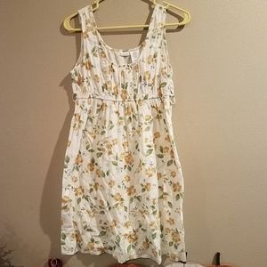Women's floral boutique style No Boundaries dress.
